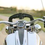 バイクのハンドルカバーは危ない?安全に使う方法とおすすめを紹介!