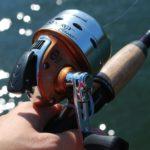 原付で釣竿を運ぶのは道路交通法違反?捕まらない持ち運び方法を解説
