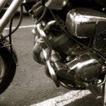 バイクのエンジンのカーボンを簡単に除去してパワーアップする方法