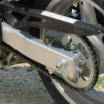 バイクのチェーンのたるみの原因や走行への影響は?調整方法を紹介!